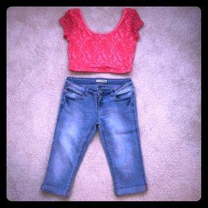 GUESS half top and cuffed Capri jeans